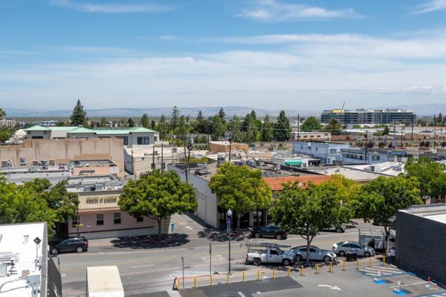 657 Walnut Street, San Carlos CA: http://media.crmls.org/mediaz/CA6D485D-9979-47A1-B710-B7D548969186.jpg