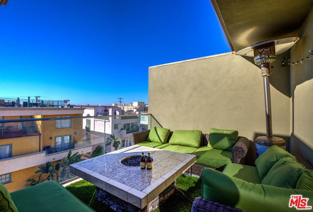 6400 PACIFIC Avenue 314 Playa del Rey, CA 90293 is listed for sale as MLS Listing 17201038