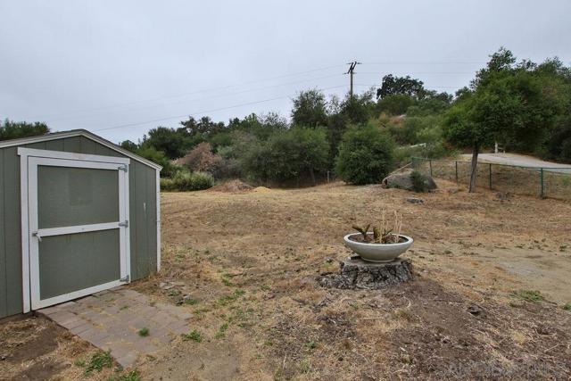 17550 Highway 67, Ramona CA: http://media.crmls.org/mediaz/CACE2878-B4CE-47AA-86EC-31A2B9C0B430.jpg