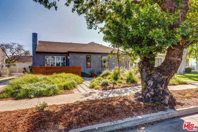 Single Family Home for Sale at 3532 Hillcrest Drive Los Angeles, California 90016 United States