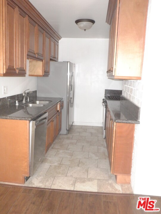 Photo of 1166 Amherst Avenue #8, Los Angeles, CA 90049