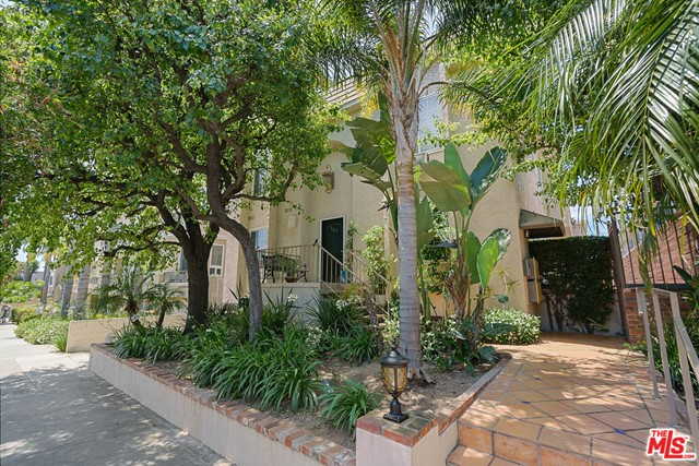 Photo of 1325 WELLESLEY Avenue #206, Los Angeles, CA 90025
