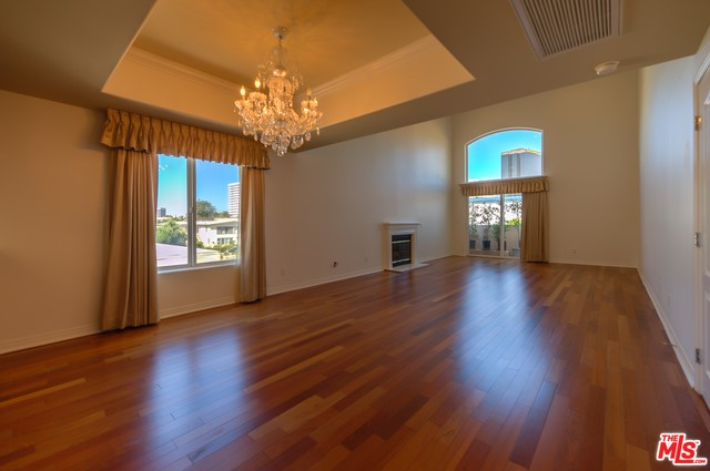 Photo of home for sale at 11547 ROCHESTER Avenue, Los Angeles CA