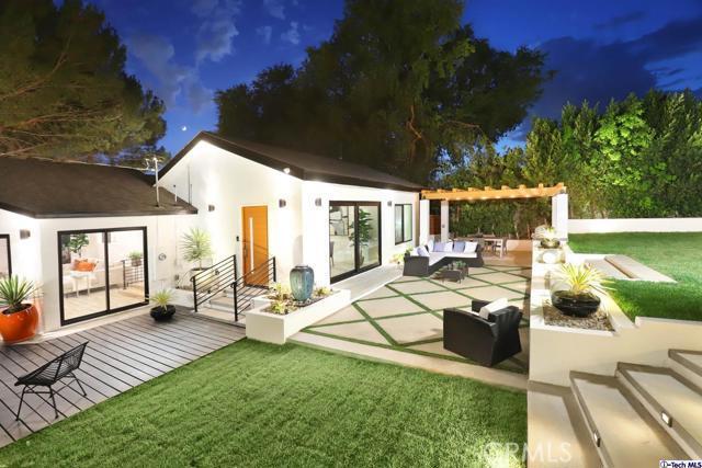 5043 Ramsdell Avenue, La Crescenta CA: http://media.crmls.org/mediaz/CC08E884-76EB-45D3-919B-0C85CC3F1247.jpg