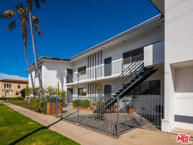 8675 CHALMERS Drive # 1 Los Angeles CA 90035