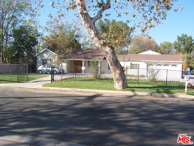 Single Family Home for Sale at 21351 Community Street Canoga Park, California 91304 United States