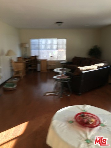 Single Family Home for Rent at 905 Glendale Avenue S Glendale, California 91205 United States