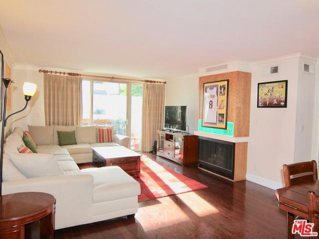 Condominium for Sale at 11687 Montana Avenue Los Angeles, California 90049 United States