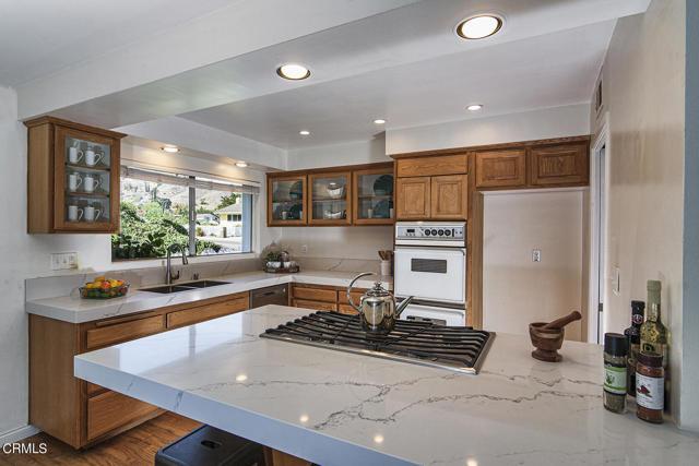 1275 Sunnycrest Avenue, Ventura CA: http://media.crmls.org/mediaz/CD679952-5756-45F0-9C1F-9AC282B84AAC.jpg