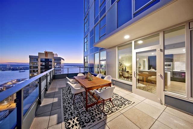 1388 Kettner Blvd., San Diego CA: http://media.crmls.org/mediaz/CD883E6D-C550-465D-9557-2E0B113F7384.jpg