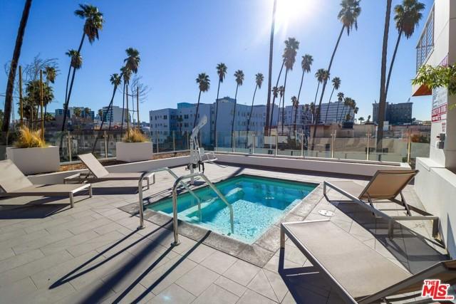453 S KENMORE Avenue, Los Angeles CA: http://media.crmls.org/mediaz/CDA0DD8C-572E-4F02-86BE-D9EB0599D54F.jpg