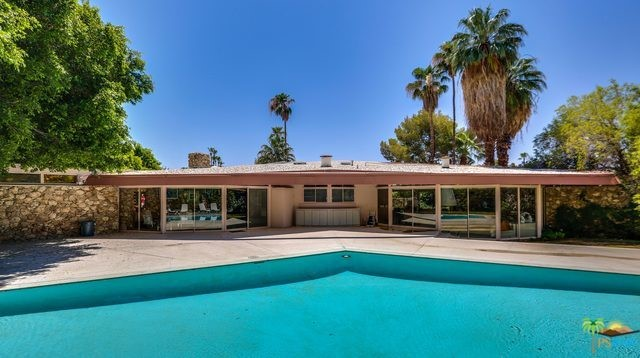 1350 Ladera Circle, Palm Springs CA: http://media.crmls.org/mediaz/CE07F4FF-FD4B-4658-84A6-6AF732A5889D.jpg