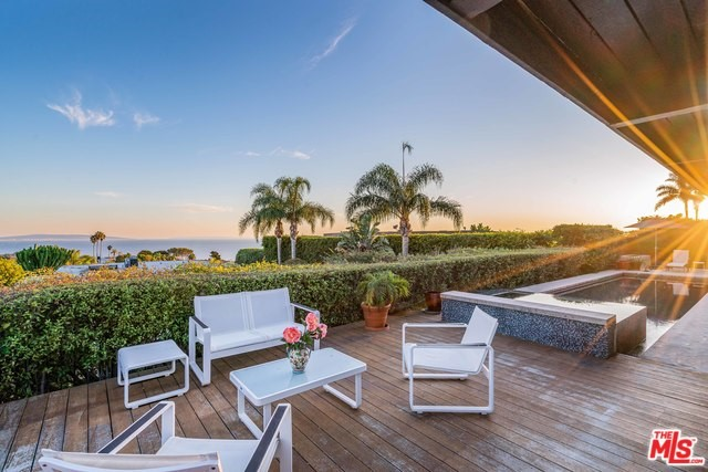 1084 GLENHAVEN Dr, Pacific Palisades, CA 90272