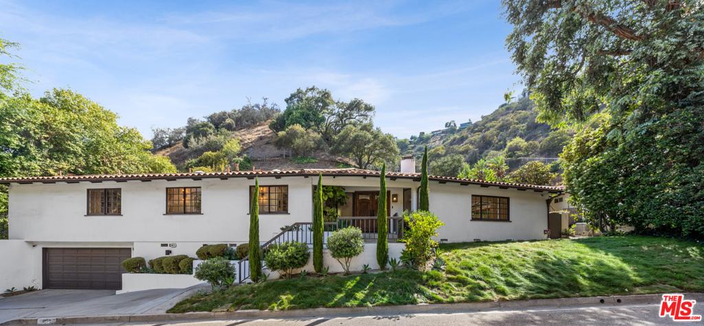 1059 Chantilly Road #  Los Angeles CA 90077