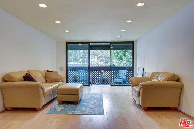 7777 W 91ST Street B3155 Playa del Rey, CA 90293 is listed for sale as MLS Listing 16175124