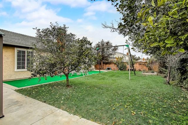 15106 Amso St, Poway CA: http://media.crmls.org/mediaz/CE981FC5-3FC1-4E5F-A934-F52BB2B83088.jpg