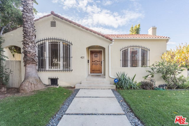 Single Family Home for Rent at 401 Sycamore Avenue S Los Angeles, California 90036 United States