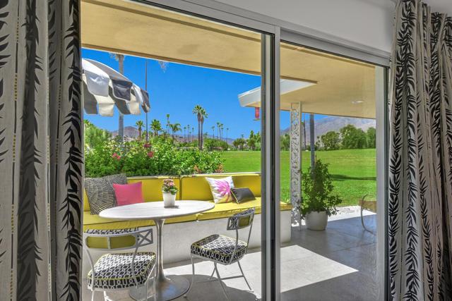 2240 S Calle Palo Fierro, Palm Springs CA: http://media.crmls.org/mediaz/CEBAF877-1388-4109-8FB7-1DF78E128E1D.jpg
