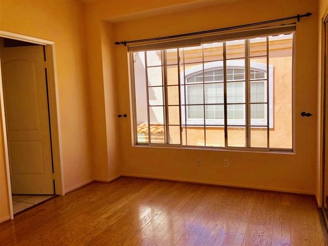1451 Robinson Ave, San Diego CA: http://media.crmls.org/mediaz/CEC035F5-720A-4A59-8D03-473C9850B354.jpg