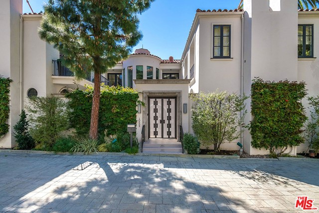 10253 Century Woods Drive, Los Angeles CA: http://media.crmls.org/mediaz/CED1A54B-72B0-4738-8788-CE381FFFB1B9.jpg
