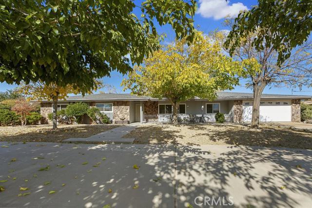 18016 Mauna Loa Street Hesperia CA 92345