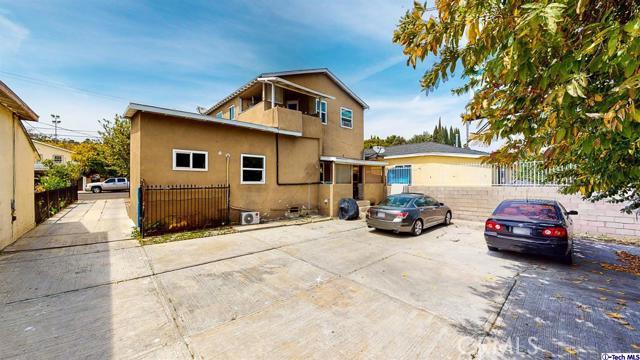 4548 Huntington E Drive, Los Angeles CA: http://media.crmls.org/mediaz/CEEC2A6C-6ED4-4EC9-9729-8E7CA2352191.jpg