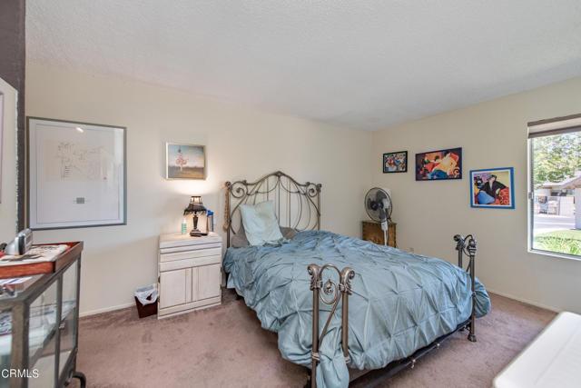 501 Holly Avenue, Oxnard CA: http://media.crmls.org/mediaz/CF4842B7-B3DC-4830-B479-B49652C66278.jpg