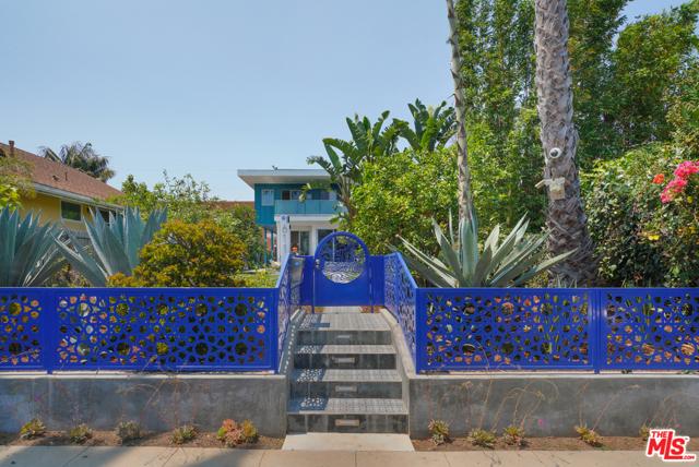 611 Flower Ave, Venice, CA 90291 photo 2