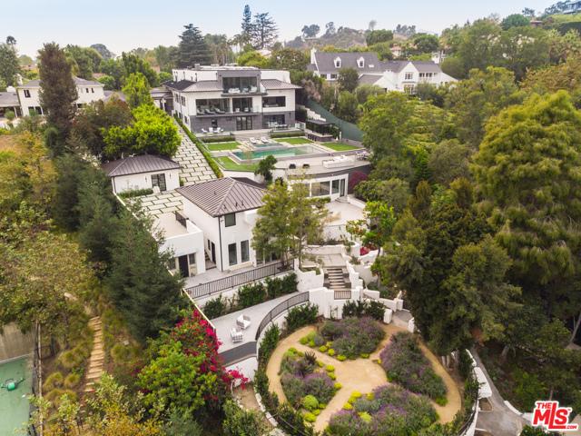 Photo of 499 Halvern Drive, Los Angeles, CA 90049