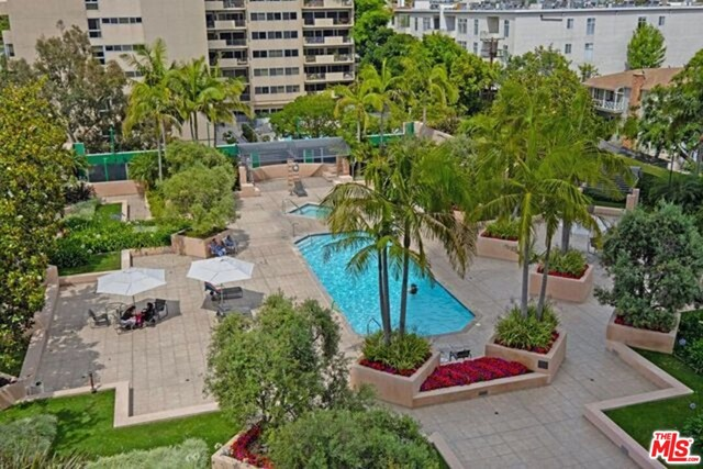 10490 Wilshire Boulevard, Los Angeles CA: http://media.crmls.org/mediaz/D00373B4-1CD7-4B13-9D3E-E48867CC74A8.jpg