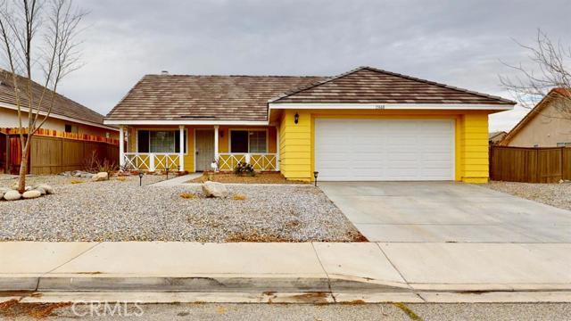 15668 Amber Pointe Drive, Victorville CA: http://media.crmls.org/mediaz/D05A9EFD-1929-4B9E-8FBD-44D406A32A47.jpg