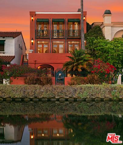 2410 GRAND CANAL Venice CA 90291