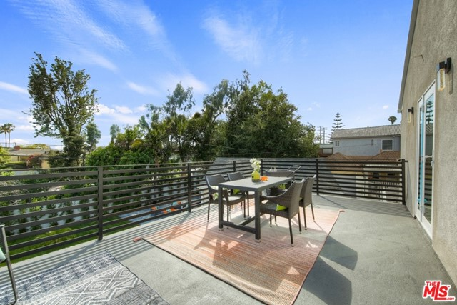 5315 Overdale Dr, Los Angeles, CA 90043 photo 38