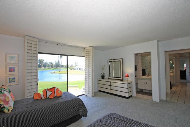 34800 Mission Hills Drive, Rancho Mirage CA: http://media.crmls.org/mediaz/D0E0715D-7993-42CE-B8E7-698E9E30F697.jpg