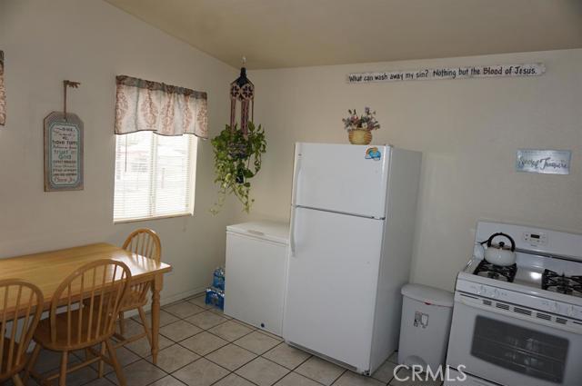 300 Hutchison Street, Barstow CA: http://media.crmls.org/mediaz/D15D9C77-E56D-4F35-96F6-983FCB128DC8.jpg