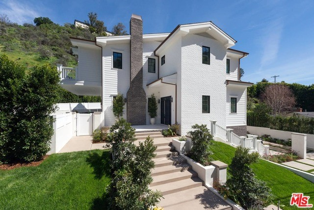 Single Family Home for Sale at 12090 Chalon Road Los Angeles, California 90049 United States