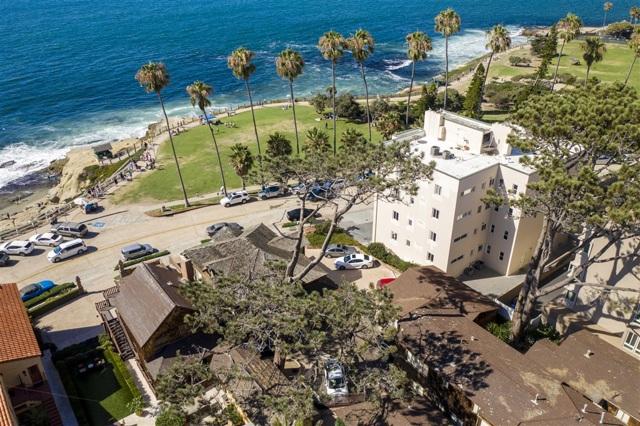 1021 Coast Blvd, La Jolla CA: http://media.crmls.org/mediaz/D17D1FE2-C2D4-4AA6-8F05-23D1C95F8826.jpg