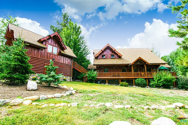 Photo of home for sale at 43629 BOW CANYON Drive, Big Bear CA