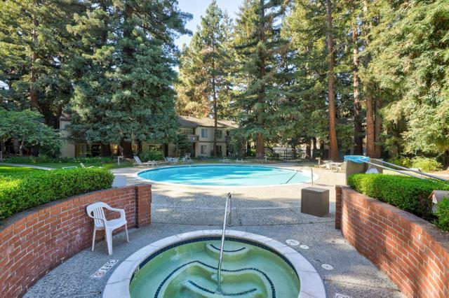 505 Cypress Point Drive, Mountain View CA: http://media.crmls.org/mediaz/D1DE2550-7CC6-4A3A-B929-1D233522AE14.jpg