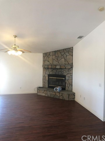 24030 Cahuilla Road, Apple Valley CA: http://media.crmls.org/mediaz/D2059651-83CE-45E0-AEE7-69FD752FF328.jpg