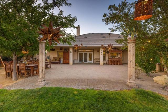 8640 Avenue C8, Lancaster CA: http://media.crmls.org/mediaz/D2305A10-4808-4495-A2A0-132D9C04B6A9.jpg