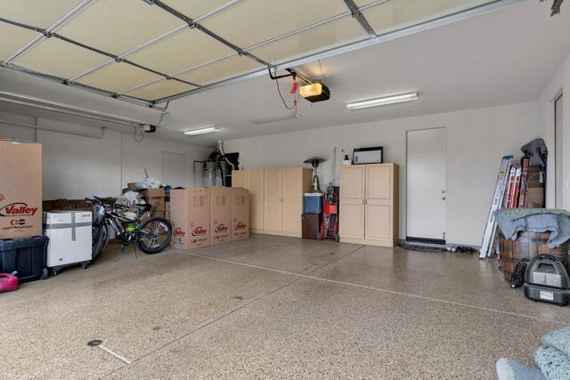 50015 Via Puente, La Quinta CA: http://media.crmls.org/mediaz/D25FF414-3A61-4A1B-8708-C3EB2BF7ACFB.jpg