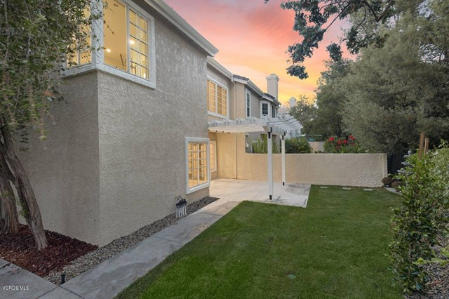 5777 Tanner Ridge Avenue, Westlake Village CA: http://media.crmls.org/mediaz/D27406D7-1416-4D2C-ABA3-5E2F45F6AE13.jpg