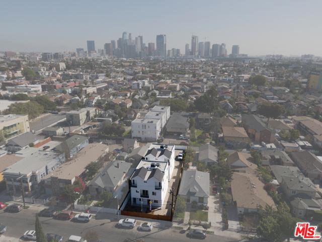 1740 S New England Street, Los Angeles CA: http://media.crmls.org/mediaz/D2996091-0ABD-486C-84BC-7A30B1324FA8.jpg