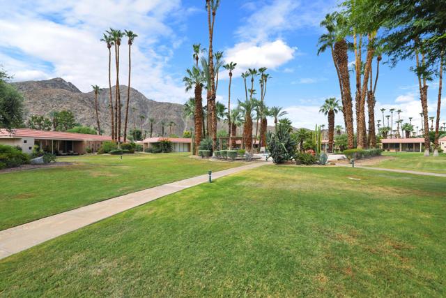 45805 Pueblo Road, Indian Wells CA: http://media.crmls.org/mediaz/D2A1748A-8F9B-4F50-A770-15398FE6F4D6.jpg