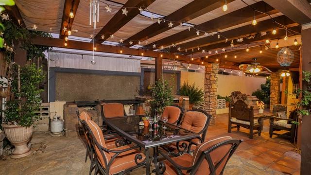 1702 Kingston Drive, Escondido CA: http://media.crmls.org/mediaz/D2A33425-6FD3-4FD7-997E-36AC8A58F570.jpg