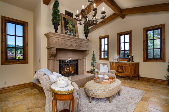 18471 Calle Tramonto, Rancho Santa Fe CA: http://media.crmls.org/mediaz/D2EFCA7B-0C12-41A7-AF76-8DEB0BA63C8B.jpg