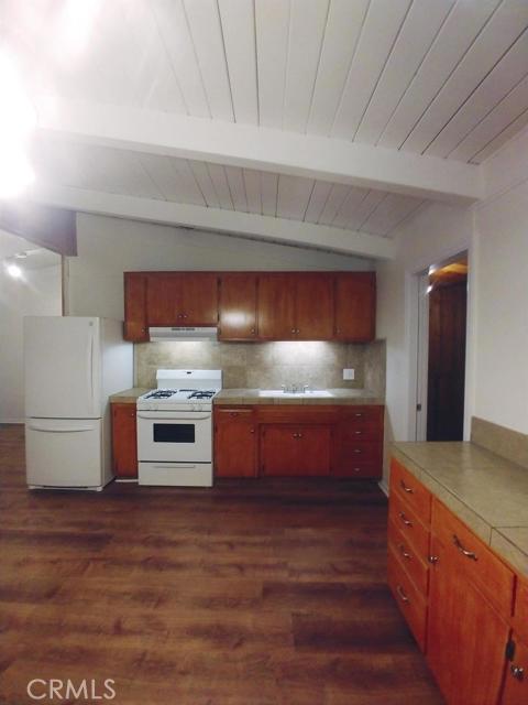 32008 Edison Way, Running Springs CA: http://media.crmls.org/mediaz/D3208BC5-F8CA-4BCD-AEE8-F1AA6A38547F.jpg