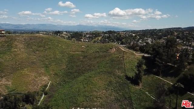 4933 N CERRILLOS Drive, Woodland Hills CA: http://media.crmls.org/mediaz/D33578DC-9032-4AA9-851A-338B1AA9676A.jpg