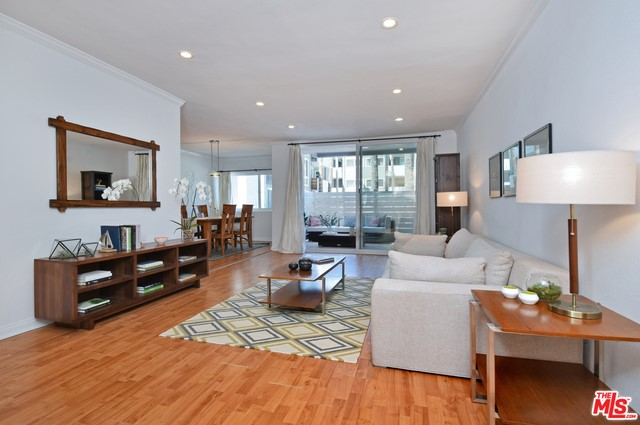4915 TYRONE Avenue Unit 102, Sherman Oaks CA 91423